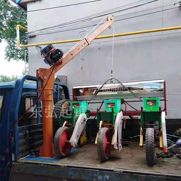 小型车载吊机500公斤